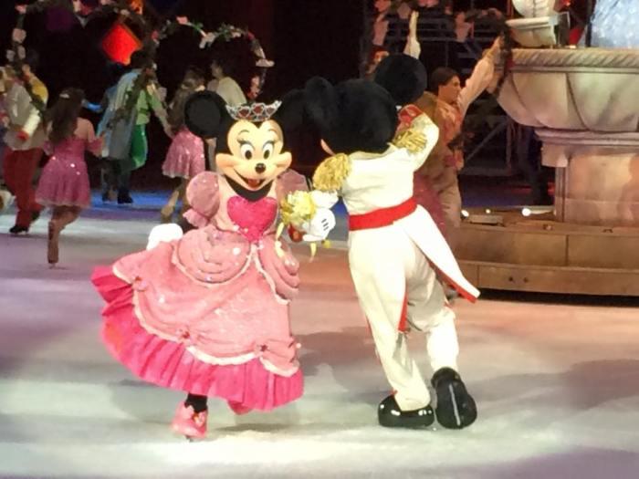 Hu-Ha! Let's get married, Minnie!